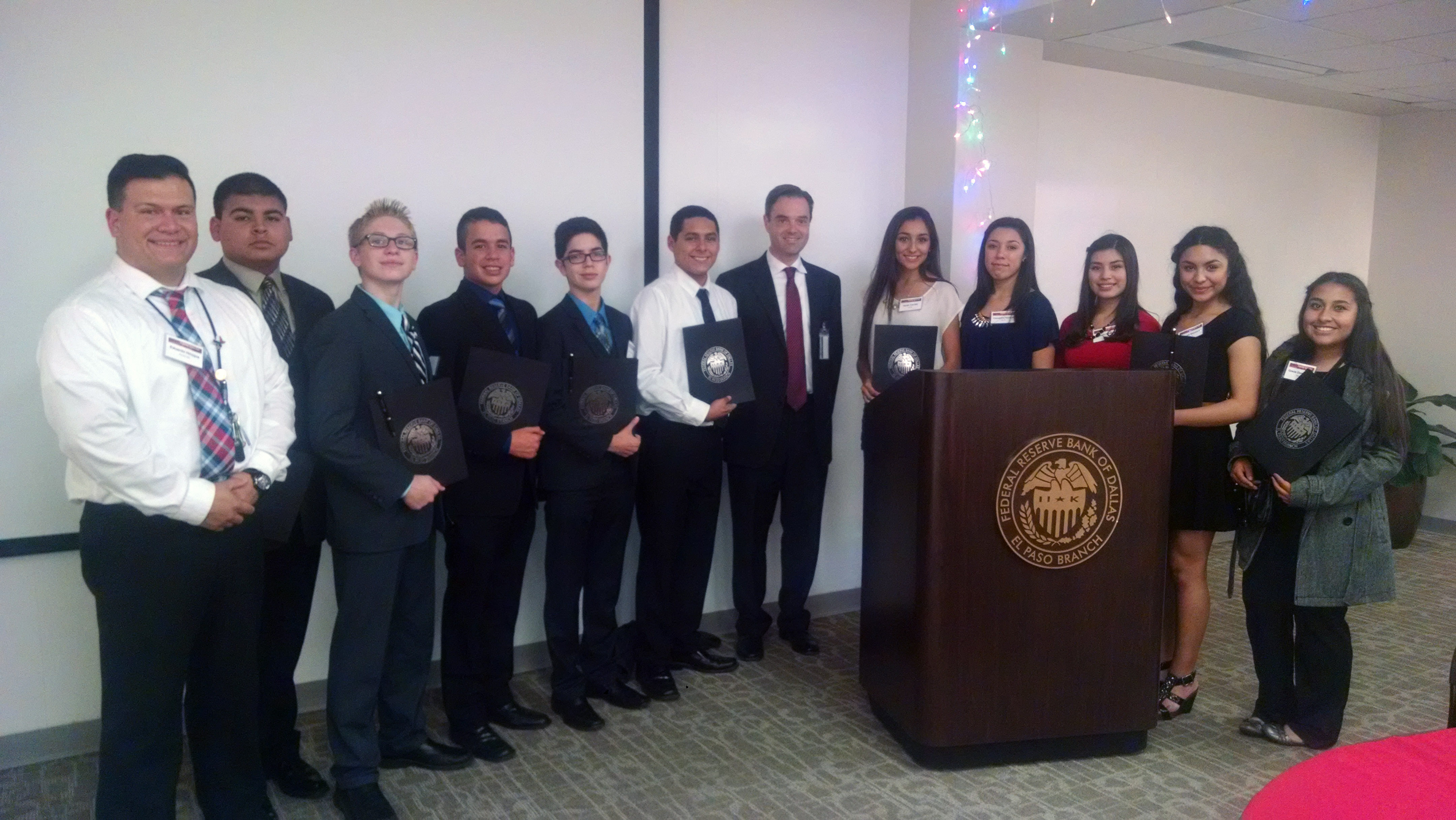 Libertas students learn about banking industry at Federal