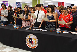 SISD student athletes signing on to universities