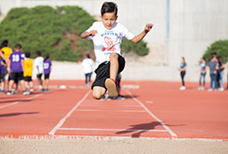 SISD elementary student participating in VASSP track event